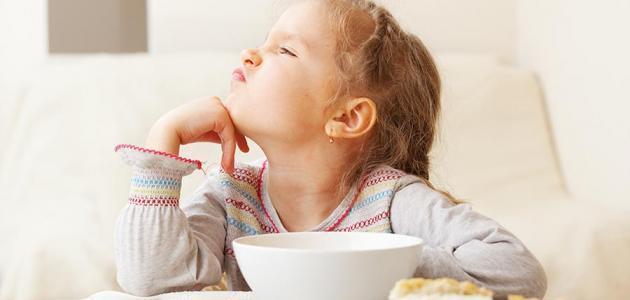 كيفية إطعام الطفل العنيد