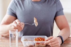 نظام الكيتو دايت الغذائي وأعراضه الجانبية